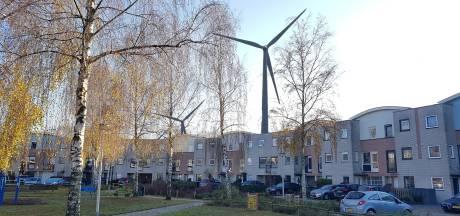 Windmolens langs A1: wethouder Verhaar wil meer tijd, maar wijst naar afspraken regio