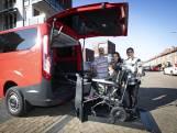 Dankzij deze rolstoelbus kan de familie Tasci er weer op uit