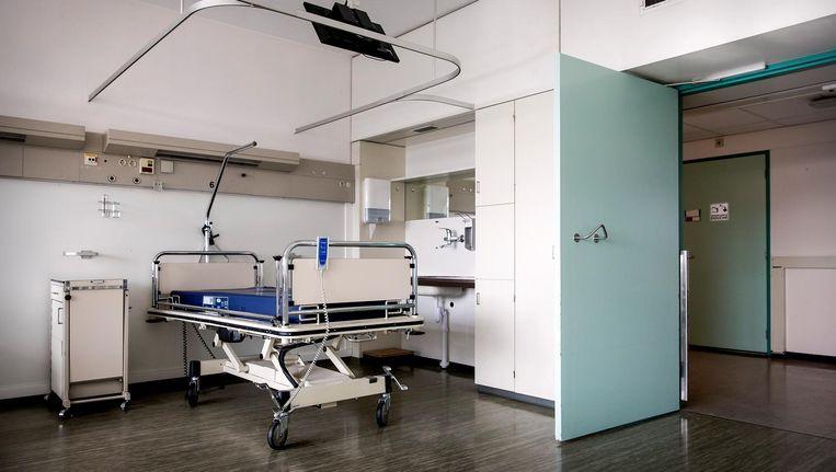Het meubilair en apparatuur van het ziekenhuis werden eerder via een veilinghuis verkocht. Beeld anp