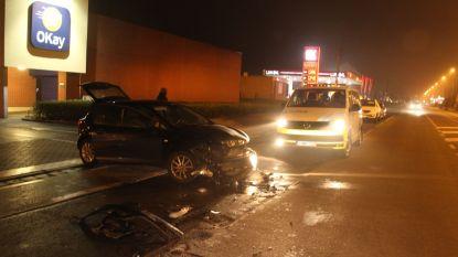 Veel schade bij aanrijding aan parking Okay