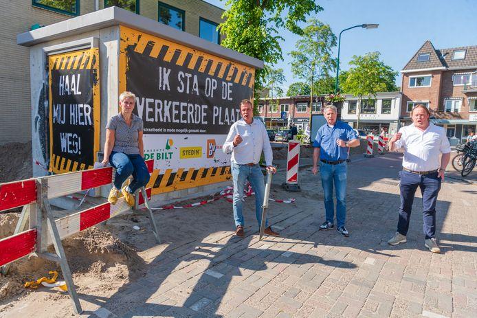 Ondernemers van Bilthoven Centrum kwamen in verzet tegen het transformatorhuisje. De bunker van Bilthoven, zoals het gebouwtje al heet, blijft echter staan.