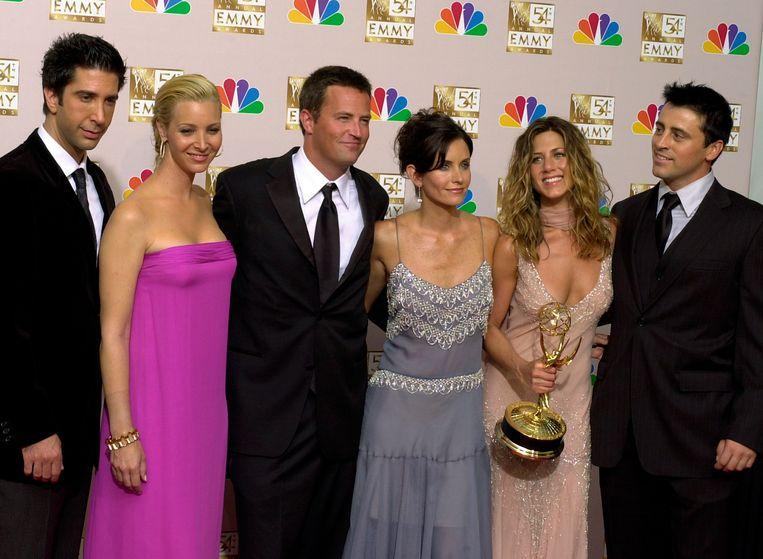 De cast van de serie Friends in 2002, als zij de Emmy Award voor Beste comedy hebben gewonnen.  Beeld AP