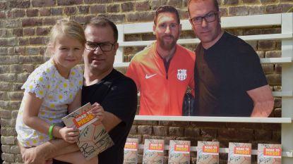 """Bart Uyttersprot blikt met boek 'The Road To Messi' terug op tocht naar Lionel Messi met houten bal: """"Je moet je dromen achternagaan, dan is veel mogelijk"""""""