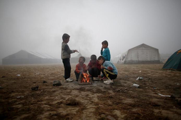 Jezidi kinderen in een vluchtelingenkamp in Griekenland