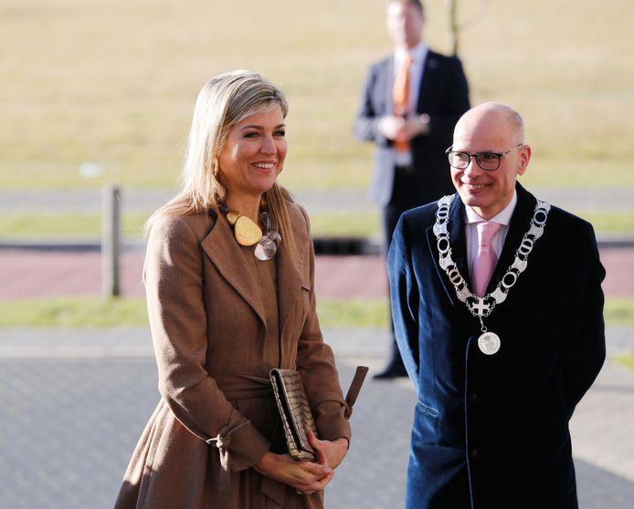 Burgemeester Emile Jaensch met Koningin Maxima