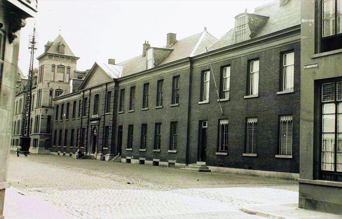 Het voormalige Paleis van Justitie aan de Zuidwal.