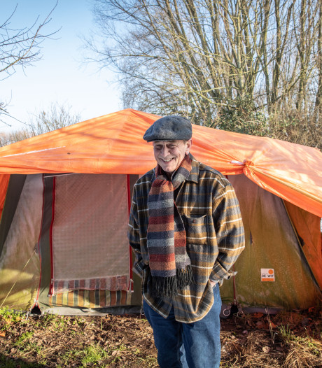 Doorgewinterde kampeerder heeft het in Zeeland naar zijn zin