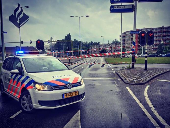 Politie heeft weg naar tunnel afgezet
