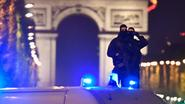 VIDEO: alles over schietpartij Champs-Elysées in 90 seconden