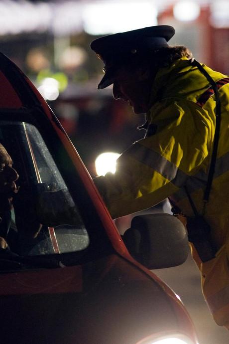 Drie rijbewijzen ingenomen bij verkeerscontrole in Geldrop, Waalre en Eindhoven