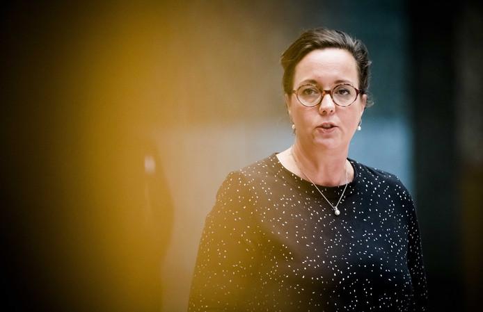 Staatssecretaris Tamara van Ark van Sociale Zaken en Werkgelegenheid (VVD) tijdens het wekelijkse vragenuur in de Tweede Kamer.