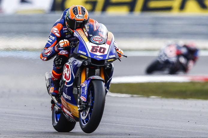 2019-04-13 11:49:46 ASSEN - Motorcoureur Michael van der Mark op zijn Yamaha in actie in de Superpole tijdens de World Superbike Championship wedstrijden op het TT Circuit Assen. ANP VINCENT JANNINK
