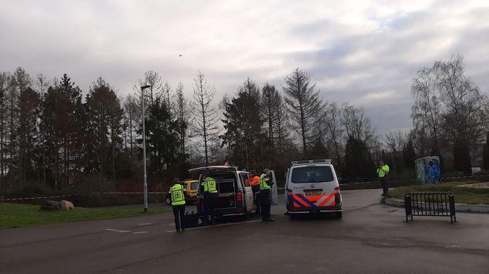 De politie zet een drone in bij het onderzoek naar de tweede brand in voormalige woning aan de Nieuweweg in Doetinchem.