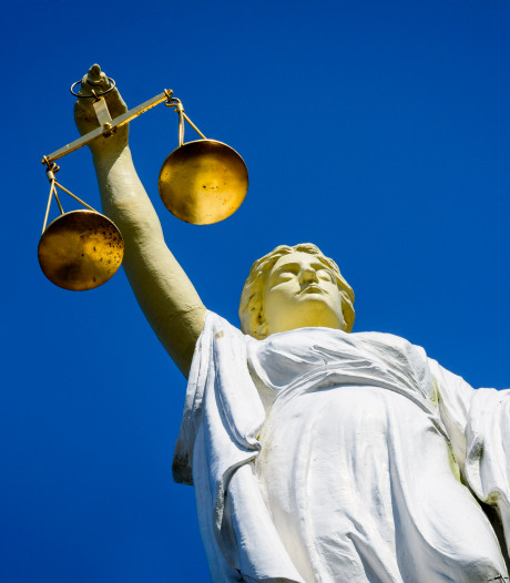 Enschedese hennepkweker (20) toont berouw: 160 uur taakstraf