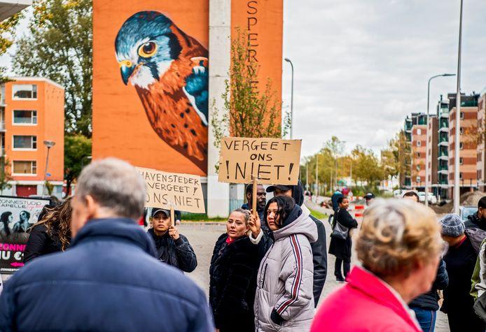 Bewoners van de Hoven in Capelle demonstreerden begin dit jaar al bij verhuurder Havensteder.