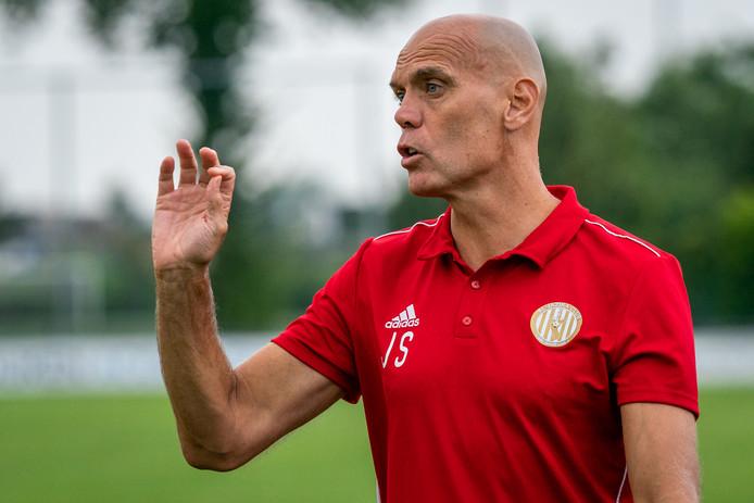 Jurgen Streppel, trainer van Al Jazira, verwacht een pittig tweeluik voor PSV.
