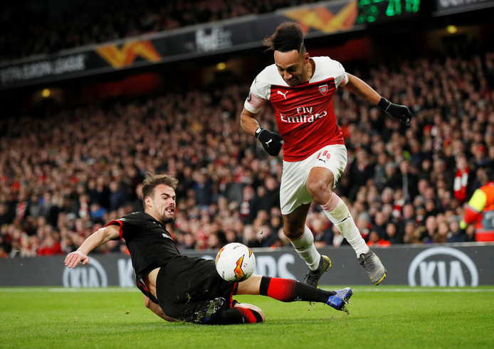 Pierre Emerick-Aubemeyang in actie namens Arsenal.
