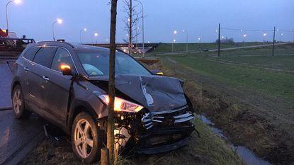 Werknemer Maxicon zwaargewond na botsing in Ieper, peuter in andere auto lichtgewond