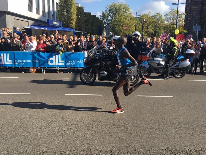 De Keniaanse loper Festus Talam wint de Marathon van Eindhoven