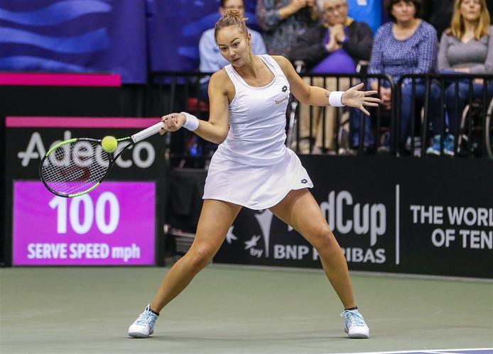 Lesley Kerkhove in de wedstrijd tegen Serena en Venus Williams.