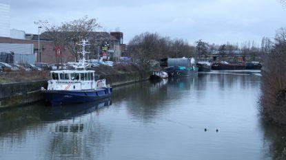 Er wordt ook gewerkt tijdens carnaval: scheepvaartpolitie houdt houdt oogje in het zeil vanop Dender
