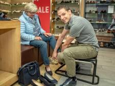 Schoenen kopen we het liefst nog in de winkel, mits aanbod voldoende is