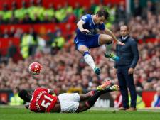 Fosu-Mensah helpt ManU met assist aan zege op Everton