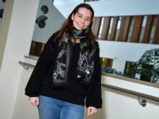 Tabitha (32) uit Enschede heeft dagelijks hevige buikpijn: 'Mensen dachten dat ik me aanstelde'