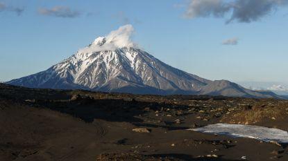 Uitgedoofde Russische vulkaan lijkt ontwaakt te zijn en kan op elk moment tot een catastrofale uitbarsting leiden