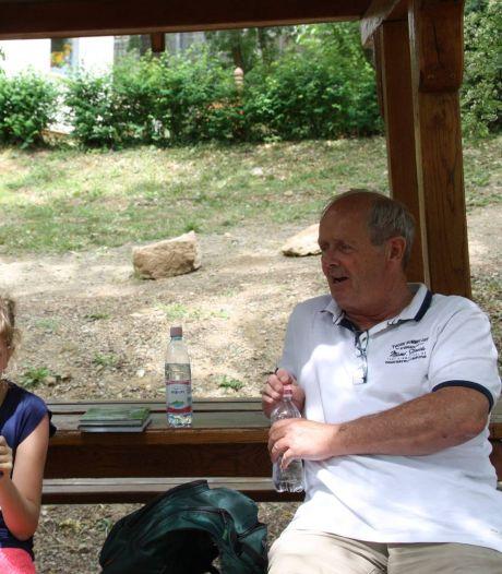 Willem Gemmink kijkt thuis in Hongarije de Tour: 'Via de Nederlandse zenders, gelukkig!'