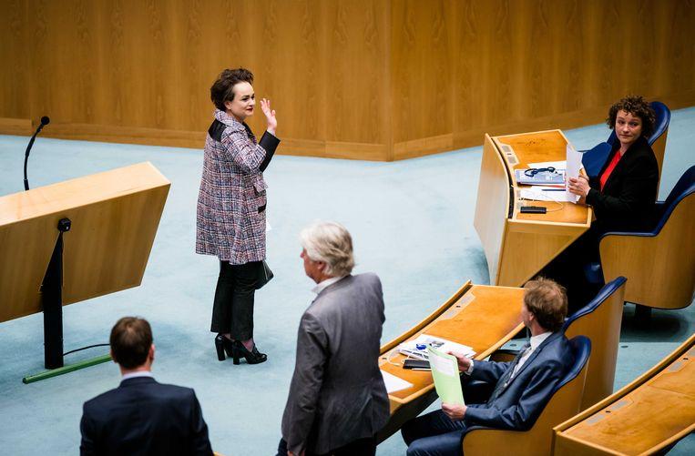 Staatssecretaris Alexandra van Huffelen (financiën) tijdens een debat over het stopzetten van de kinderopvangtoeslag. Naar aanleiding van de problematiek rondom de toeslagenaffaire onderzoekt het kabinet alternatieven voor de toeslag. Beeld ANP