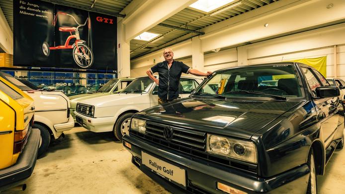 De Weense schoorsteenveger en zijn uit de hand gelopen hobby: 114 auto's van het type VW Golf