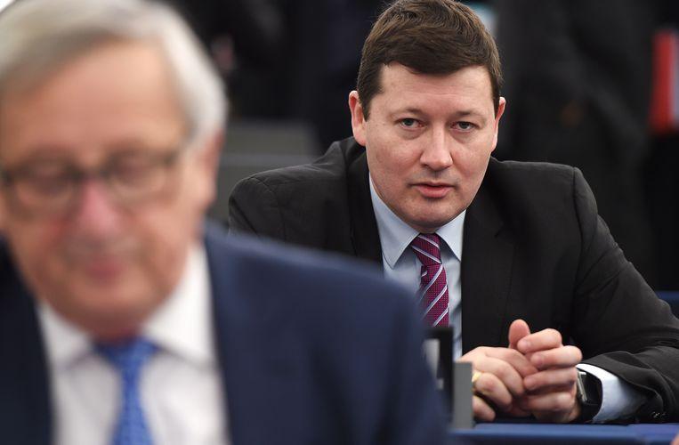 Secretaris-generaal Martin Selmayr, met op de voorgrond Commissievoorzitter Jean-Claude Juncker.