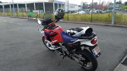 Motor gestolen voor woning