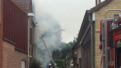 Brand vernielt huis van weduwe in mum van tijd