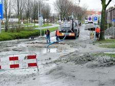 Zwijndrechtse straat na rioolbreuk definitief taboe voor auto's