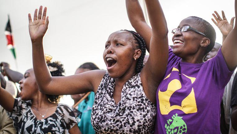 Aan enthousiasme geen gebrek, woensdag bij Franciscus' aankomst in de Keniaanse hoofdstad Nairobi. Beeld getty
