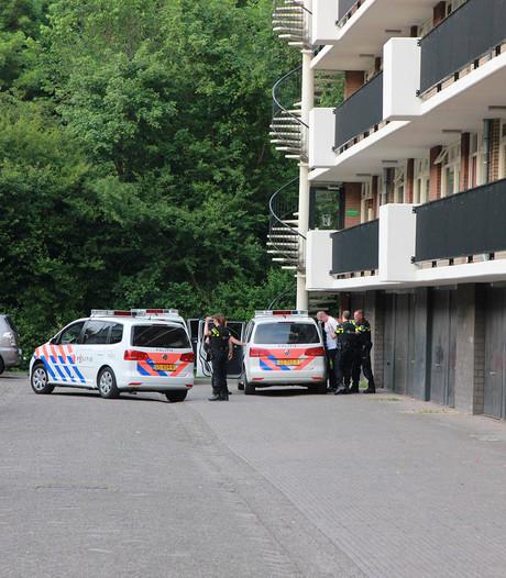 Politie lost waarschuwingsschot bij aanhoudingen in Tiel