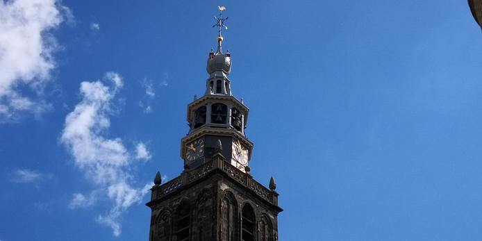 ee779198146 De tijd staat stil bij de Sint-Jan in Gouda na blikseminslag   Gouda ...