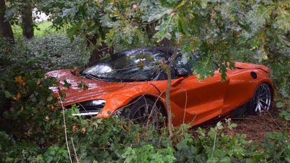 Testrit met peperdure McLaren 720S in Knokke loopt fout af