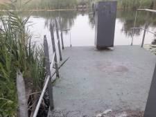 Vernielingen aan pontje over de Bakkerskil in de Biesbosch