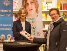 Wereldberoemde schrijfster signeert haar boeken in Goes