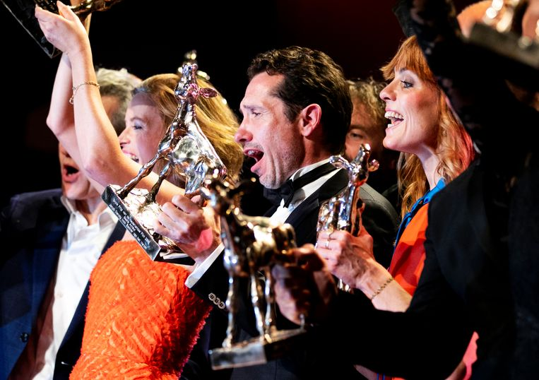 De Nederlandse oorlogsfilm Bankier van het Verzet heeft vrijdagavond het Gouden Kalf voor beste film gewonnen.  Beeld ANP
