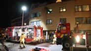 Rookmelder wekt bewoners met baby net op tijd: keuken volledig uitgebrand