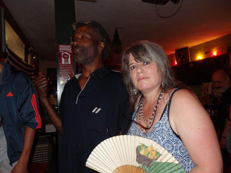 Blogger, ooit AT5, Oud Zeikwijf (niet haar doopnaam) en Ludovic Dumont, die ze nog kent van vroeger. Beeld Hans van der Beek