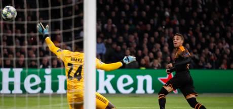 LIVE | Slordig Ajax halverwege in de problemen tegen Valencia