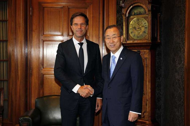 Premier Mark Rutte en secretaris-generaal van de VN Ban Ki-moon in het Vredespaleis. Beeld anp