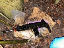 Stel beschoten door man, politie vindt automatisch wapen in de bosjes