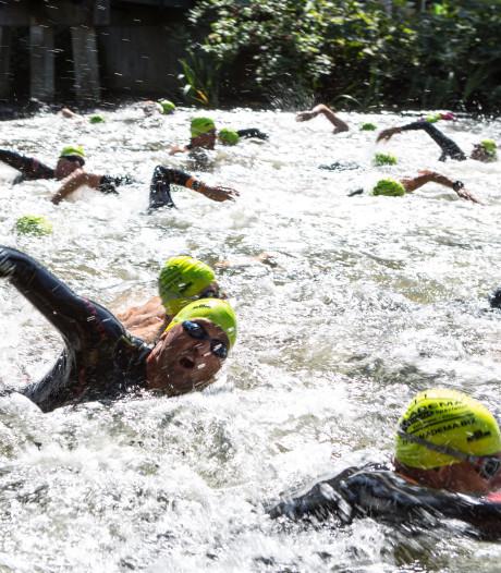 Einde aan roemruchte zwemtocht door de IJssel: 'Zwemmers dreven naar het midden van de rivier'