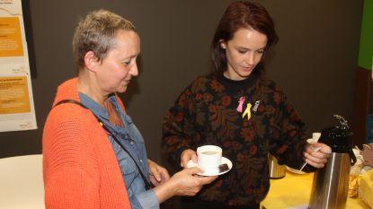 Lynn Van Royen en Frank Deboosere steken patiënten hart onder de riem op Dag Tegen Kanker